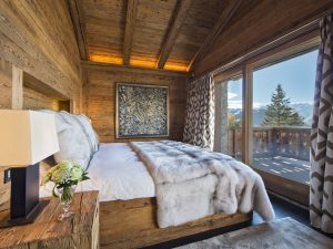 Chalet Makini bedroom with mountain views