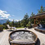 Chalet Le Ti hot tub