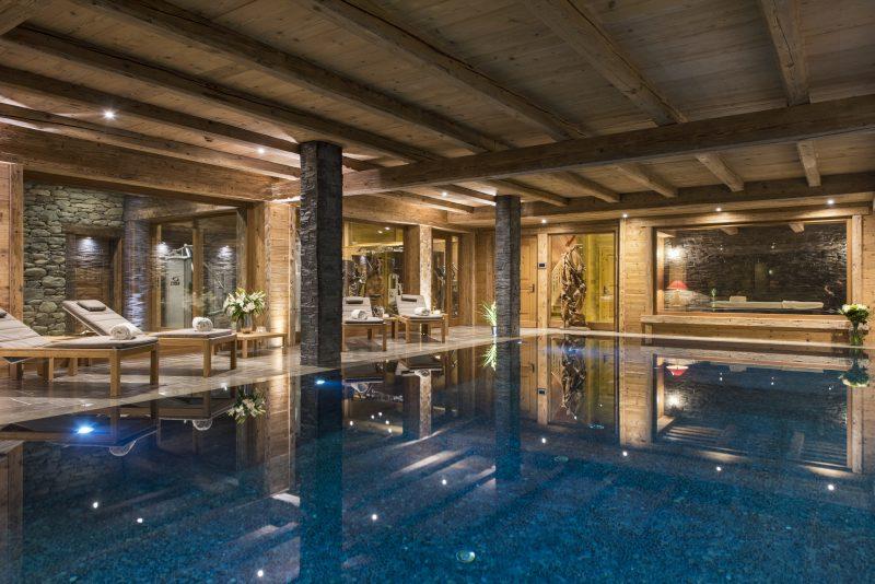 Mon Izba's swimming pool