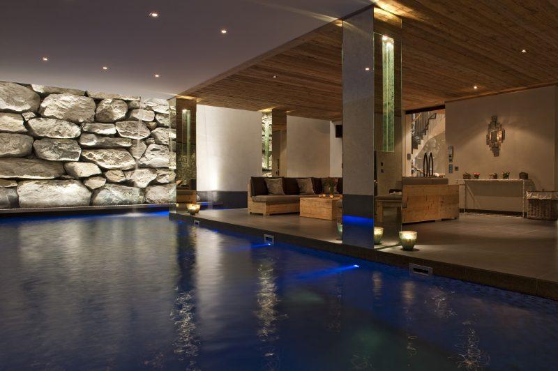 Luxury swimming pool in Chalet Norte