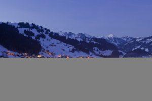Zweisimmen village at night