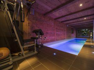 Chalet Corniche indoor pool