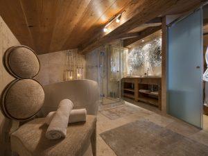 Chalet corniche luxury bathroom