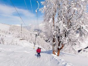Vichères has four ski lifts.